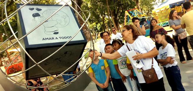 Em Ananindeua, Chiara é homenageada com Dado da Paz em praça pública e projeto de educação