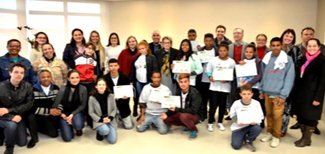 Jovens da AFASO concluem curso sobre Direito do Trabalho