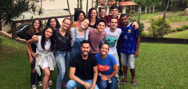 Escola de Jovens por um Mundo Unido: construtores de um mundo novo