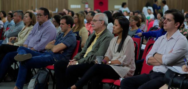 Manaus sedia curso com debate sobre proteção integral de crianças e adolescentes
